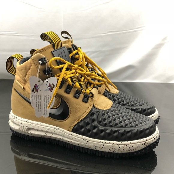 81d6208fda0d Nike Air Force 1 Duck Boots All Weather Size 7